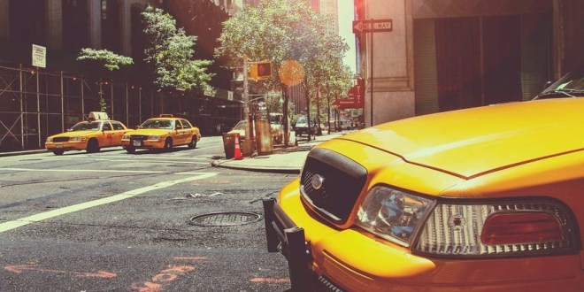 Uber or Taxi: When to Choose One over the Other on Trips