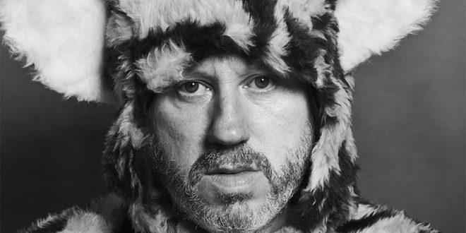 """Badly Drawn Boy Shares Video For New Single """"Is This A Dream?"""""""