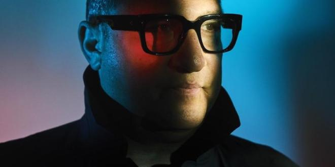 "AFGHAN WHIGS FRONTMAN GREG DULLI  SHARES NEW SINGLE ""A GHOST"""