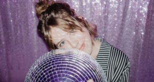 "PREMIERE: Allison Mahal Releases New Single ""Me Now"""