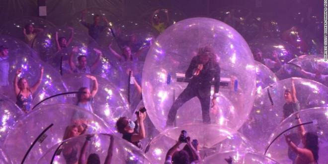 "THE FLAMING LIPS SHARE JUBILANT ""ASSASSINS OF YOUTH"" VIDEO"