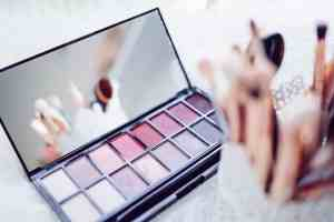 How To Blog: 3 Popular Ways to Monetize Your DIY Beauty Blog
