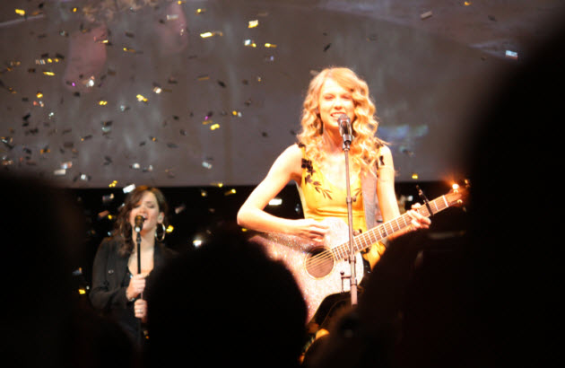 cool photo 3 taylor swift