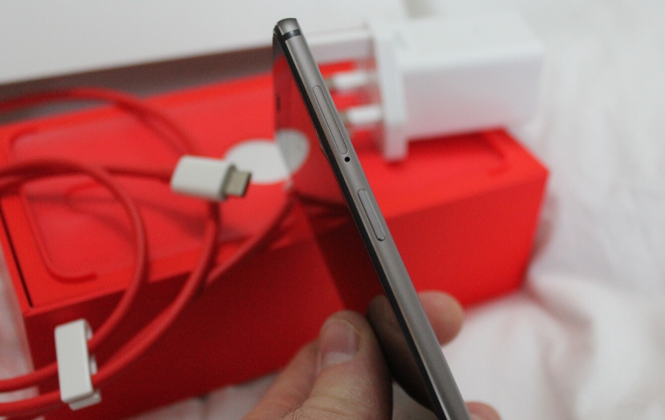 OnePlus 3T: side-view