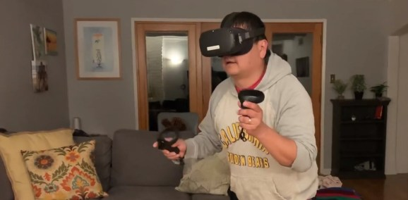 Dean Takahashi tries out the Oculus Quest.