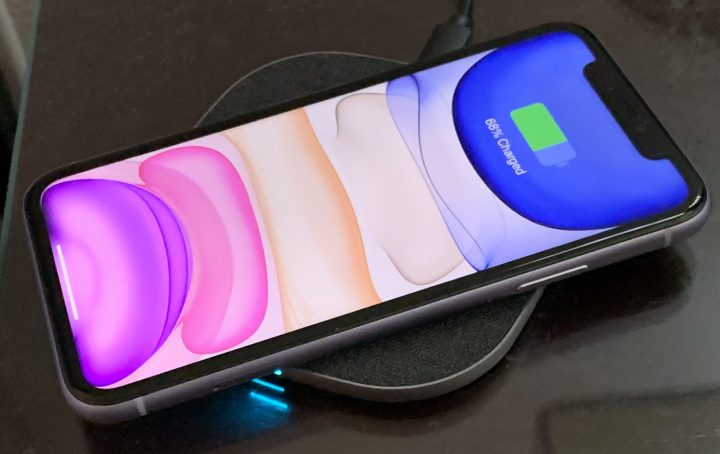 Totalee is one of many companies now offering attractively minimalist Qi wireless chargers that work with iPhones.