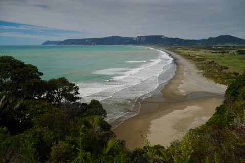 Te Araroa Beach outlook