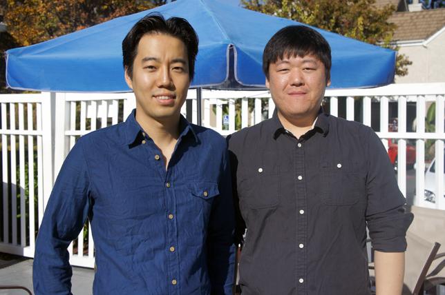 김동신 대표(좌)와 김여신 이사(우)
