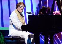 Bob channeling Elton John at Society of Hospital Medicine meeting, 2014