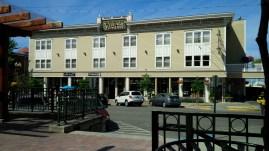 Fairhaven Village Inn
