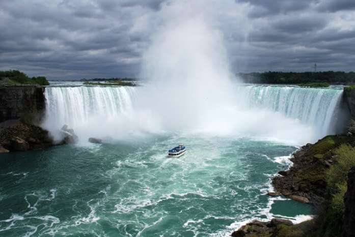 the maid of the mist boat tour