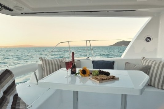 Luxury Yacht Rental in Singapore