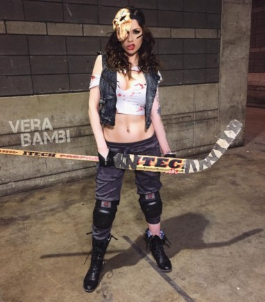 GAUNTED PHOTOGRAPHY - TEENAGE MUTANT NINJA TURTLES - Casey Jones genderbend hot cosplay photo by Vera Bambi