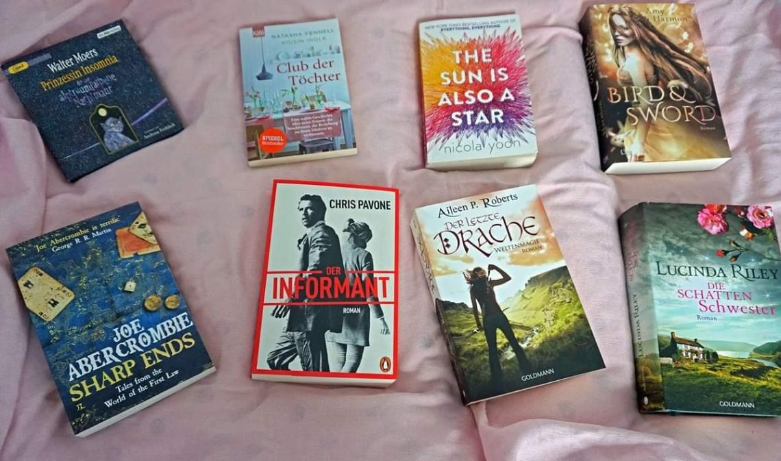Übersichtsbild der acht Bücher die verlost werden