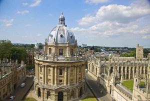 Panoramom Oksforda dominiraju veličanstveni koledži