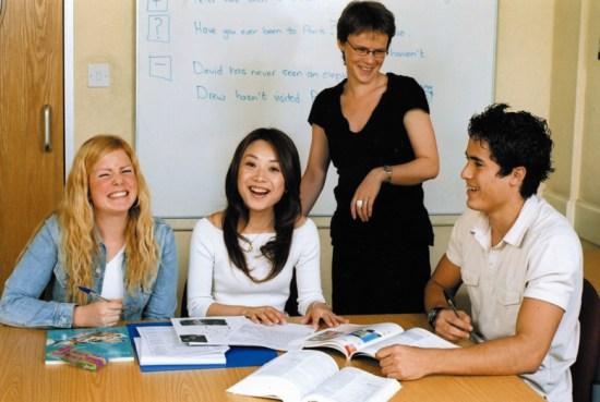 Nastavni program koledža Embassy CES u Oksfordu  osvojio je prestižnu nagradu Excellence Award
