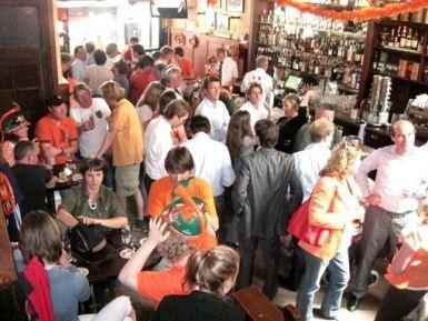 Hoppe bar u Amsterdamu, preko dana tokom vikenda