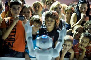 Nao robot na manifestaciji Dani buducnosti
