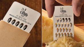 Vizit karta kao rendaljka za sir
