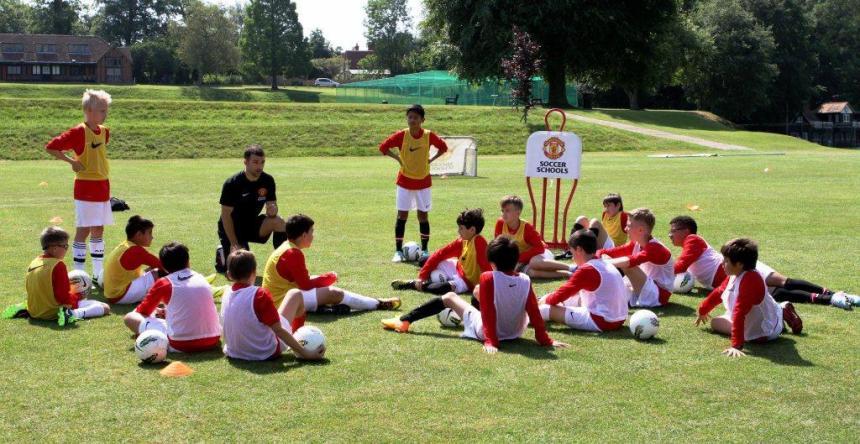 Fudbalski i jezički kamp, Verbalisti i Manchester United