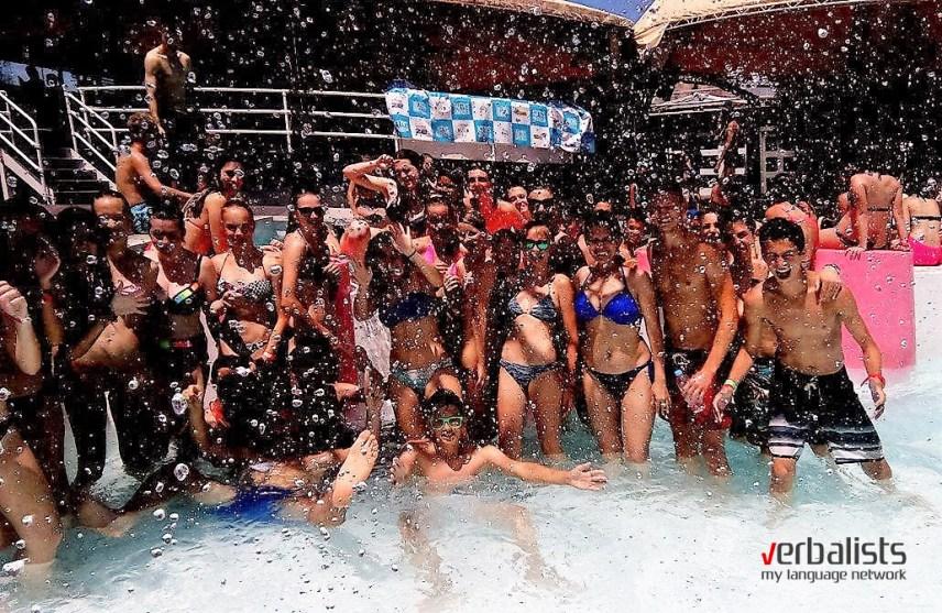 Verbalisti - žurka na bazenu