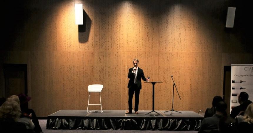 Vezbe za javne nastupe, glumac Ivan Tomic
