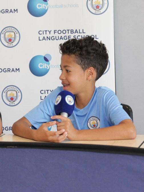 Fudbalski kampovi za decu, Man City - juniori, u medija centru, Verbalisti