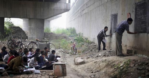 Free school for slum children in India