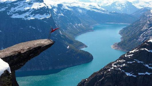Trolltunga in Hordaland, Norway, Verbalists travel