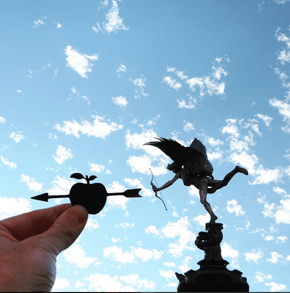 The The statue of Eros in Piccadilly circus