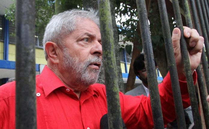 Lula deseja continuar preso, após saber que teria trabalhar fora da cadeia