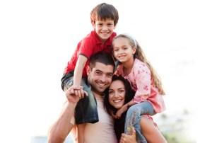 La familia como pilar de la sociedad debe estar constituida por padre, madre e hijos, tal y como Dios lo dispuso