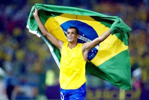 Rivaldo agradece a Dios por todos sus logros y carrera profesional