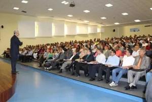 Hombres y mujeres de negocios de Nueva Esparta asistieron a la conferencia / VyV