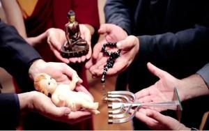 Simbología ecumenista y apóstata usada por Bergoglio en su reciente video