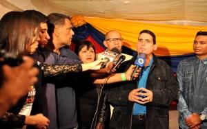 El apóstol Ignacio Yllaramendy junto a otros pastores del país declarando para los medios de comunicación / GVO