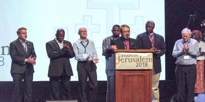 Anglicanos fortalecen su compromiso con Dios apegados a la Biblia