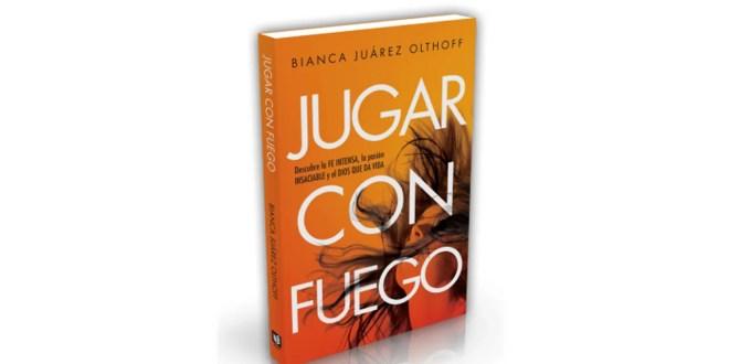 """Bianca Juarez presenta su libro """"jugar con fuego"""""""