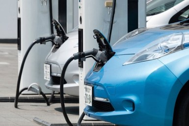 Based on where EVs have been sold, driving the average EV produces global warming pollution equal to a gasoline vehicle that gets 88 miles per gallon (mpg) fuel economy. (Photo: joel-t/iStock)