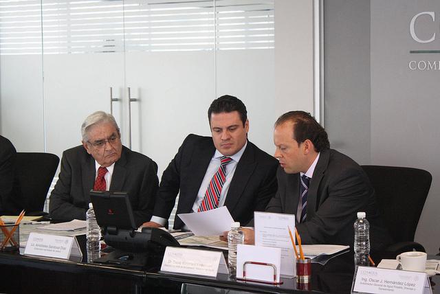 Enrique Dau Flores, Jorge Aristóteles Sandoval y David Kornefeld en una reunión realizada ayer en Conagua. Imagen: Conagua