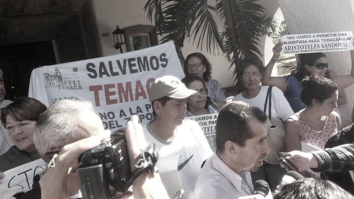 Defensores de Temacapulín se manifiestan afuera de Casa Jalisco. Imagen: Sergio Hernández Márquez