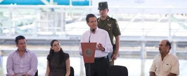 Enrique Peña Nieto inauguró la planta de tratamiento de Agua Prieta. Imagen: Presidencia de México