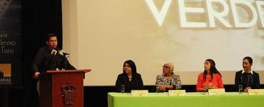 Agustín del Castillo habla en la presentación del programa Código Verde. Foto: UdeG