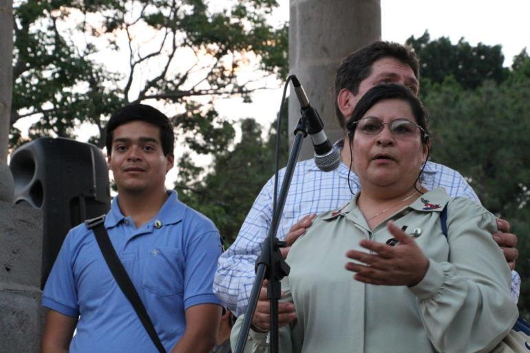 María Elena Reséndiz y José González, padres de David Fernando, ciclista atropellado en Ciudad Guzmán. Foto: Mario Galindo