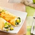 Cannoncini di Crepes con Fette alla Mozzarella, Zucchine e Menta