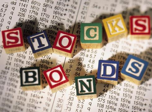 Het verschil tussen obligaties en aandelen.