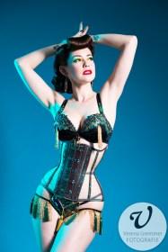 Burlesquetänzerin Hazel Honeysuckle, Foto: Verena Gremmer