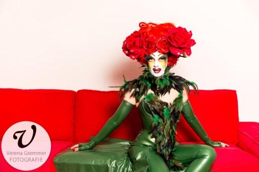Porträt von Performancekünstlerin Marnie Scarlet