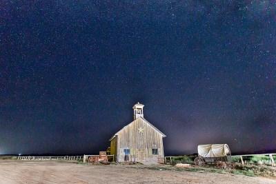 Kerkje in de nacht