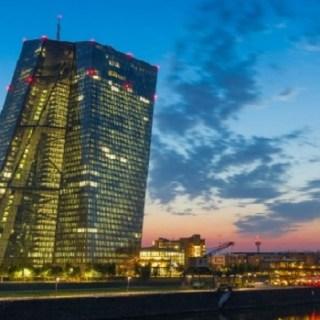 ECB, Draghi, politieke onafhankelijkheid, banken
